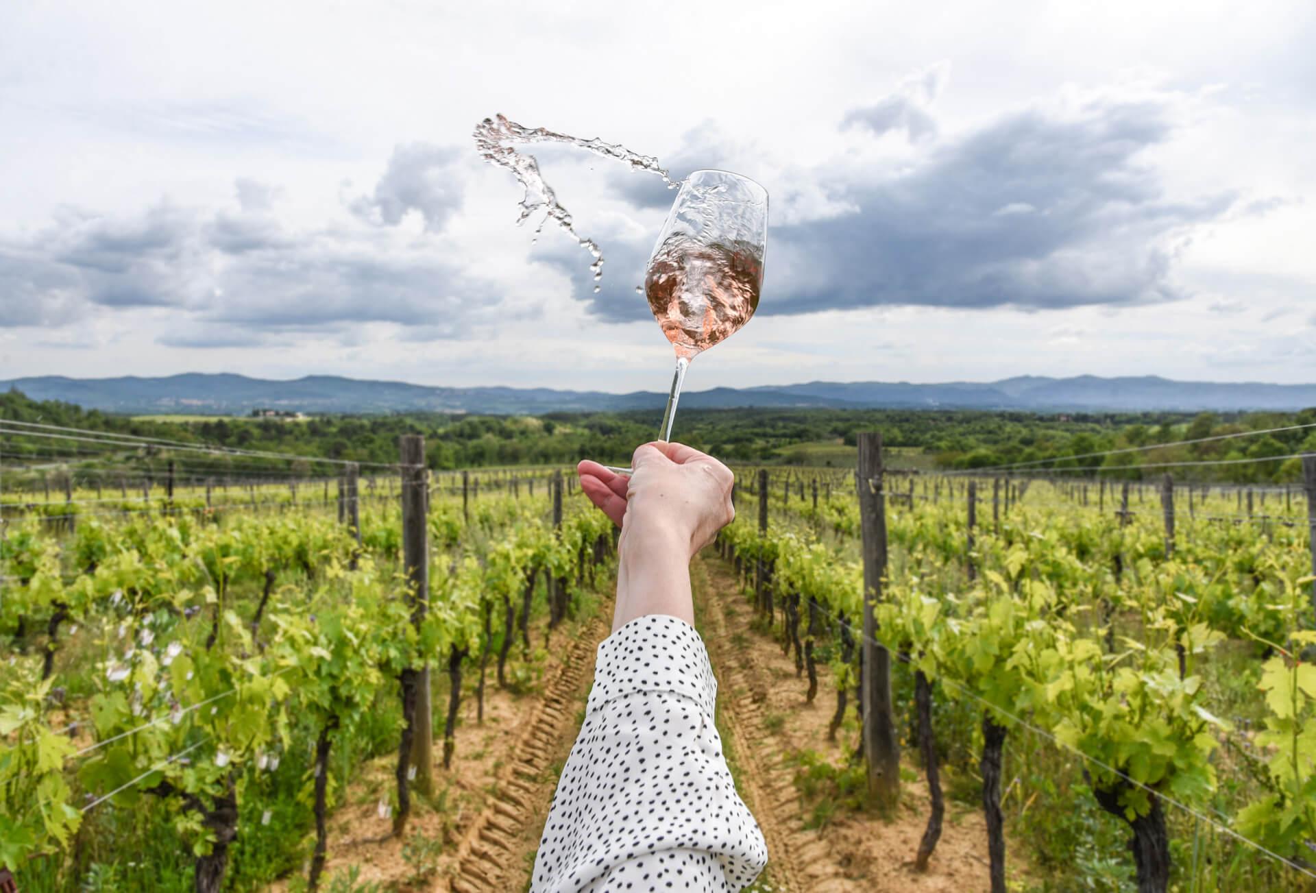 Il-Borro-Wines-swirl
